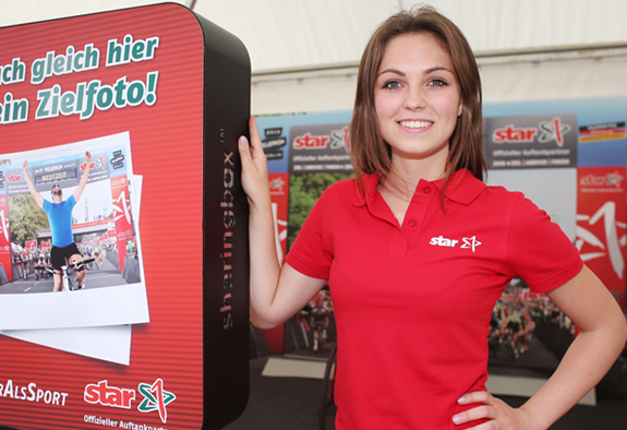 Promoterin mit Fotobox